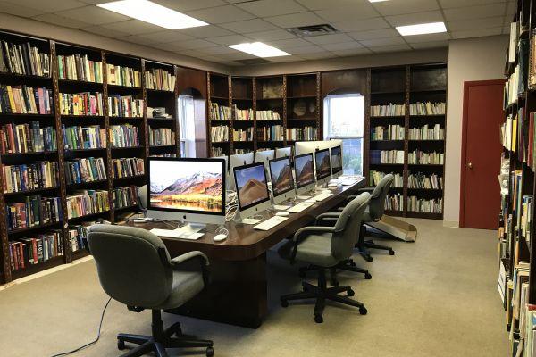 pa-public-library4BDD20A8-29FC-69AF-9E12-1CF5D0F63595.jpg