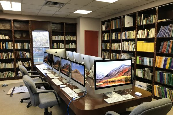 public-library-35741EDA2-1EBD-160B-D6ED-22804EDA1B40.jpg